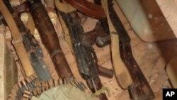 Polícia recupera armas roubadas há dois anos no Uíge - 1:23