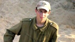 اسرائیل درخواست مخالفان تبادل صدها زندانی فلسطینی با سرباز اسرائیلی را بررسی می کند