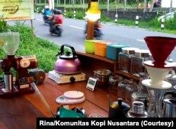 Jancuks Kopi di Yogyakarta yang terpaksa tutup, bahkan pemiliknya yang mahasiswa juga pulang kampung. (Foto: Courtesy/Rina/Komunitas Kopi Nusantara)