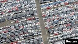 Arhiva - Automobili spremni za izvoz