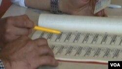 Glasački listić na današnjim parlamentarnim izborima na Kosovu