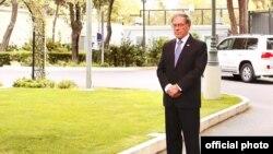 ABŞ səfiri Li Litzenberger 11 sentyabr terror qurbanlarının xatirəsini yad edir