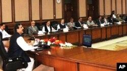 وزیراعظم گیلانی وفاقی کابینہ کے اجلاس کی صدارت کررہے ہیں