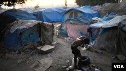 Todavía hay cientos de miles de damnificados del terremoto viviendo en campamentos para refugiados.