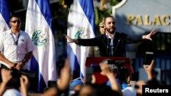 El acto del presidente Nayib Bukele fue visto como una medida de presión para que se aprobara un préstamo de 109 millones de dólares para impulsar su estrategia de combate a las pandillas en El Salvador.