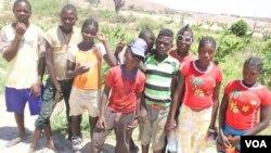 Menores provenients da Huíla procuram trabalho no Namibe