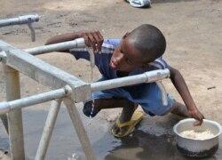 Falta de água enm subúrbios de Luanda - 1:30