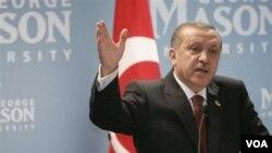 PM Turki Recep Tayyip Erdogan akan melakukan pembicaraan kerjasama bilateral dengan PM Yunani George Papandreou, Jumat 14 Mei 2010.