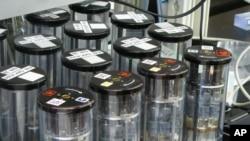Astronautas transformam urina em água potável