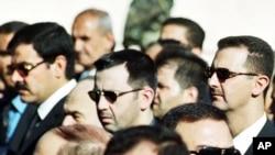 Sirijski predsednik Asad sa Asefom Šavkatom, koji je bio zamenik ministra odbrane