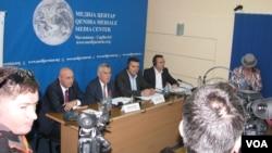 Učesnici debate u Medija centru u Čaglavici (Foto: VOA)