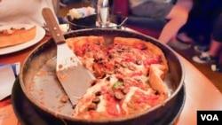 Chicago deep dish pizza at Lou Malnati's Pizzeria
