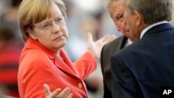 La llamada llega en medio de roces en las relaciones entre Alemania y EE.UU. tras las revelaciones de espionaje estadounidense en Alemania.
