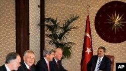 САД ја повикуваат Турција да ги заостри санкциите спрема Иран