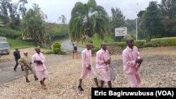 Abakongomani baregwa guhamagarira kwangisha leta y'u Rwanda abanyamahanga.