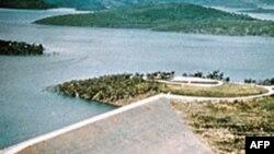 Hapen portat e digave të Lumit me Borë në Australi