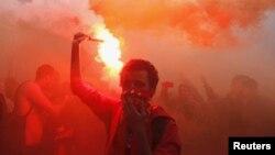 Navijači fudblaskog kluba Al Ahli slave posle izricanja smrtne presude odgovornim za nerede u Port Saidu prošle godine