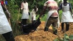 Libéria: Os bravos que recolhem os corpos das vítimas de Ébola