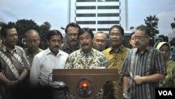 Ông Andi Alfian Mallarangeng, Bộ trưởng Thanh niên và Thể thao Indonesia loan báo từ chức sau khi bị cáo buộc tham nhũng