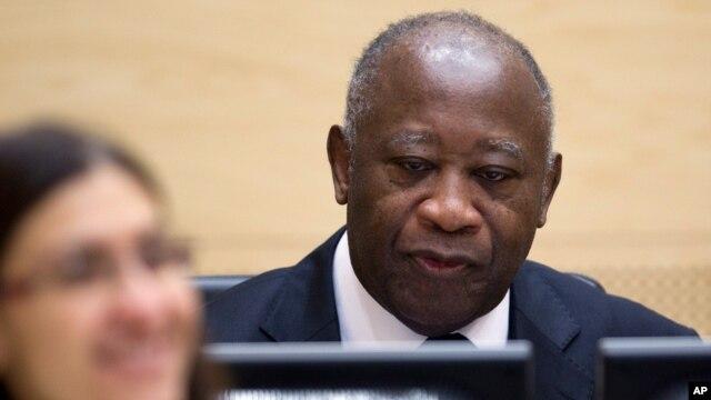 Mantan Presiden Pantai Gading Laurent Gbagbo dalam sidang ICC, 5 Desember 2011 (Foto: dok).