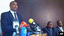 Abel Chivukuvuku líder da CASA-CE