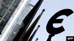 Kriza financiare vë në provë Euron