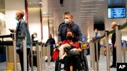 Putnici na aerodromu u Majamiju