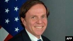 Помощник госсекретаря США по вопросам демократии, правам человека и занятости Майкл Познер