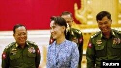 စစ္တပ္နဲ႔ဆက္ဆံေရး ျပန္သံုးသပ္ဖုိ႔ Burma Campaign UK တိုက္တြန္း