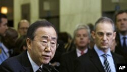 Secretary-General Ban Ki-moon addresses correspondents on the situation in Haiti following the devastating earthquake that hit the country's capital, Port-au-Prince, 13 Jan 2010