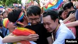 2019年5月17日,同性婚姻支持者聚集在台湾立法院外庆祝同性婚姻合法化。