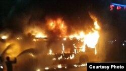 广州一辆公交车爆炸燃烧