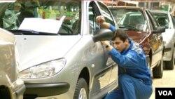 تولید خودرو در ایران ۴۰ درصدی سقوط کرد