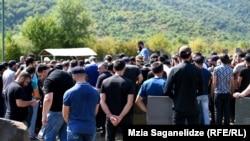 Похороны Зелимхана Хангошвили на кладбище в Панкисском ущелье. 30 августа 2019.