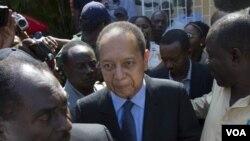 Jean Claude Duvalier te retounen ann Ayiti nan dat 16 janvye 2011 la, aprè 25 lane an egzil nan peyi Lafrans