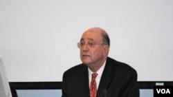 伯納阿克斯曼 邁阿密大學法學教授