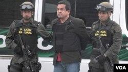 Polis ap eskòte sispès Joaquin Perezki ta gen koneksyon ak gwoup revolisyonè FARC