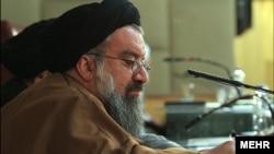 احمد خاتمی از کرمان نامزد خبرگان شده است.