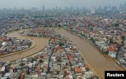 شدید بارش کے بعد جکارتہ کا ایک فضائی منظر۔