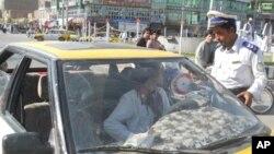 تاکید بر استفاده از کمربند ایمنی در واسطه نقلیه در هرات