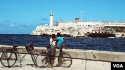 """Las embarcaciones llegaron a Cuba procedentes de Cayo Hueso, Florida como parte de la regata """"Havana Challenge"""", la primera en quince años."""