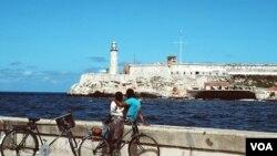 El Malecón, en Cuba, uno de los lugares más populares de la isla.