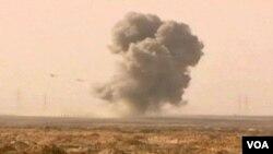 Snimkom postavljenom na You Tube tvrdi se da je zabilježen napad Gadhafijevih aviona na istoku Libije, u području sa pobunjenicima