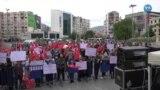 Corona Aşısı Karşıtları İzmir'de Miting Düzenledi