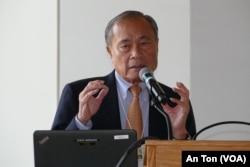 Cựu Tổng trưởng Hoàng Đức Nhã trình bày tham luận tại hội thảo của Đại học Oregon, 15/10/2019