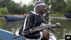 Os militantes no Delta do Níger são conhecidos pelas suas acções de pirataria como forma de sobrevivência