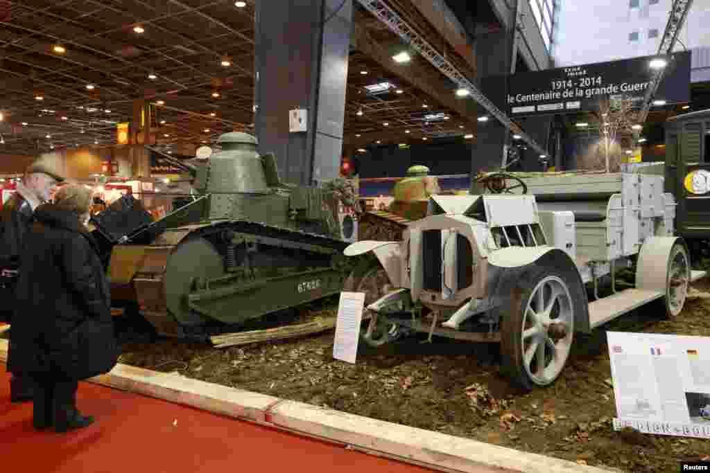 فرانس میں پہلی جنگ عظیم میں استعمال ہونے والی گاڑیوں کا شو ہو رہا ہے۔