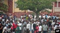Professores ameaçam greve