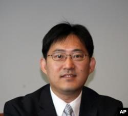 台湾国立政治大学外交系助理教授卢业中