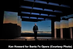 Baritone Edward Parks stars as Steve Jobs in the Santa Fe Opera production of The (R)evolution of Steve Jobs.